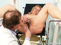 Mature woman Stazka gyno...